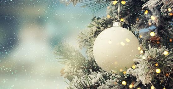 Χριστουγεννιάτικα δώρα κρεμαστά στολίδια